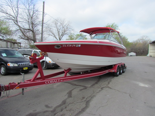 2003 Cobalt 282 Runabout Bowrider Twin Volvo Penta 5.7 GI This is an awesome ...
